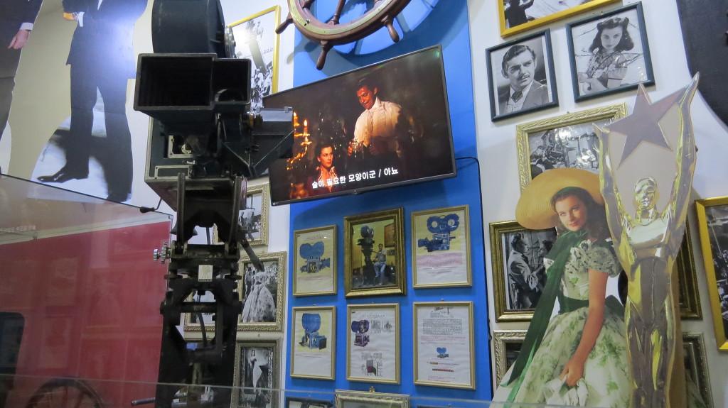 옛날 외국영화에 배우들과 화면